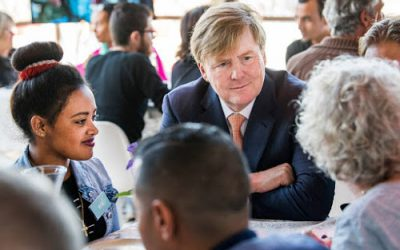 Koning Willem-Alexander bezoekt Buddy to Buddy